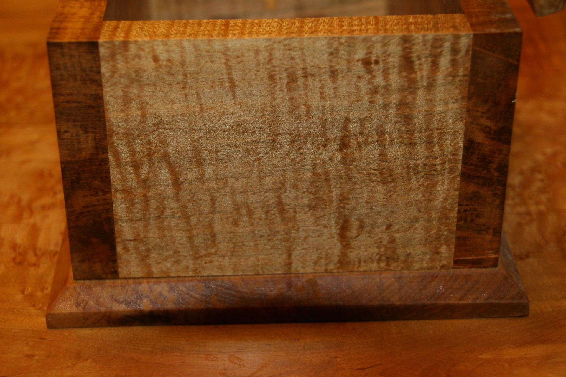 Ambrosia Maple Base